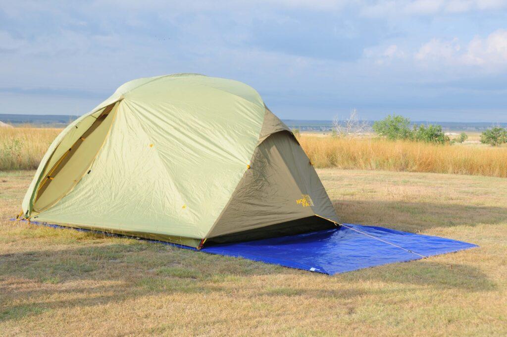 אוהל טוב אך יריעה ממוקמת לא טוב