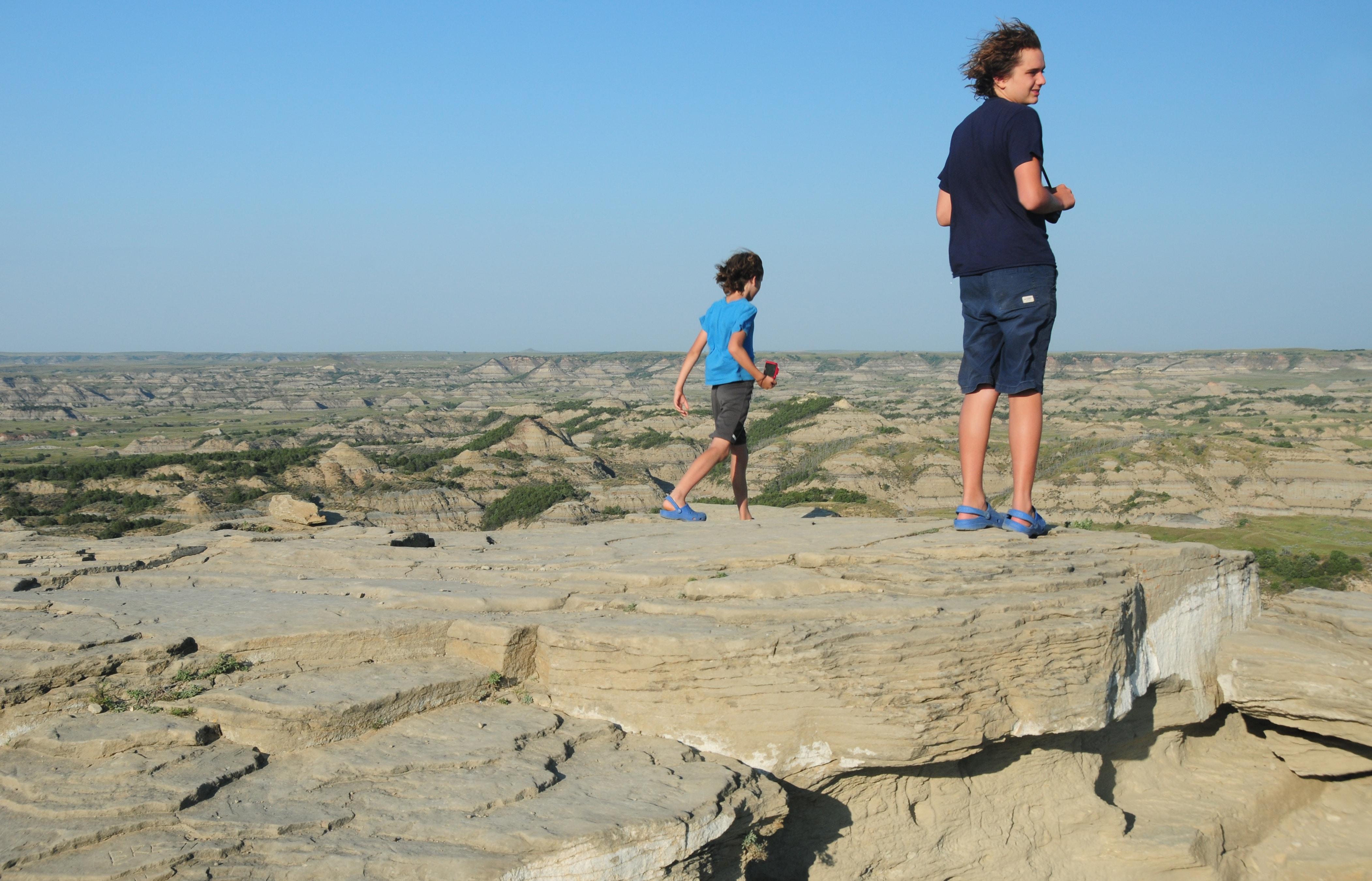 לא רק צילומי טבע - גם אנשים. הרוח הנושבת בשערם של ילדיי